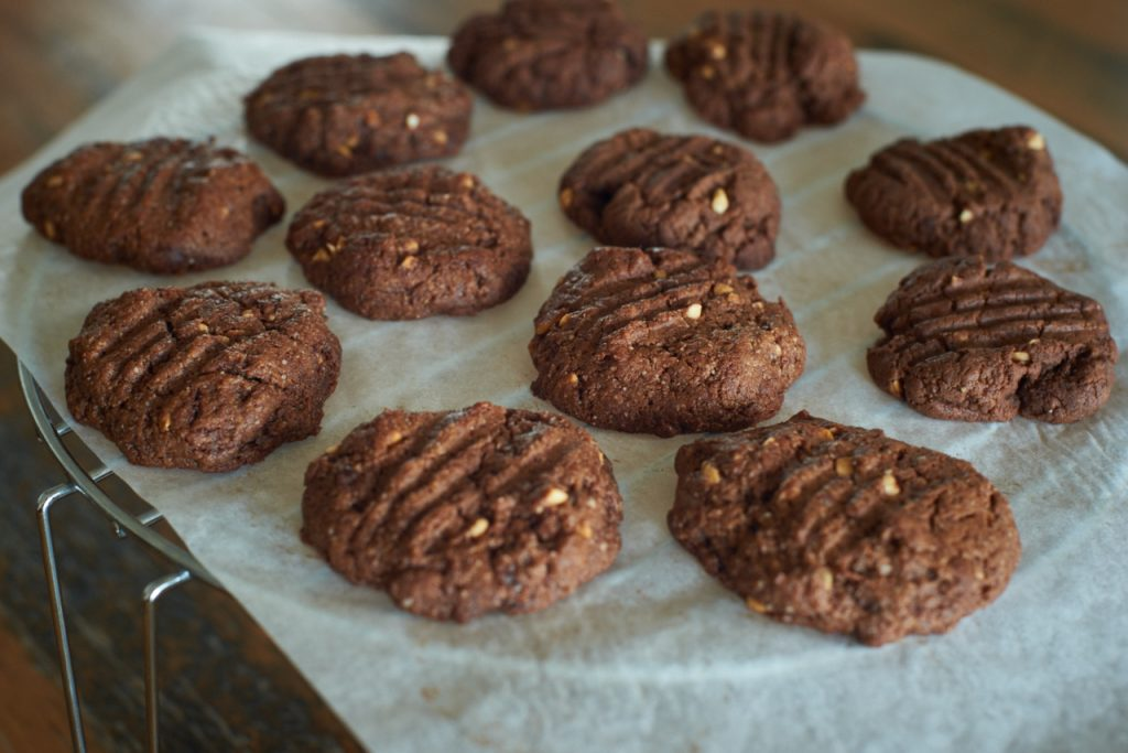 peanut butter cacao cookies